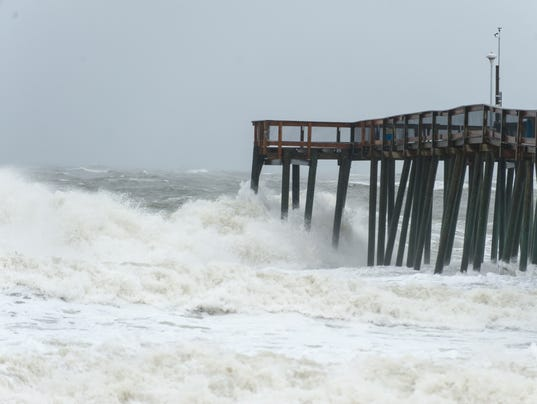 Waves into pier