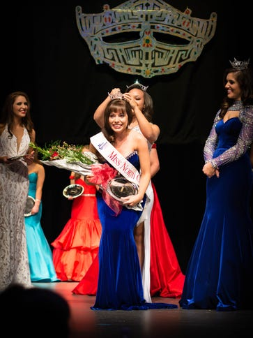 Mountain Home native Samantha Shelley (center) is crowned