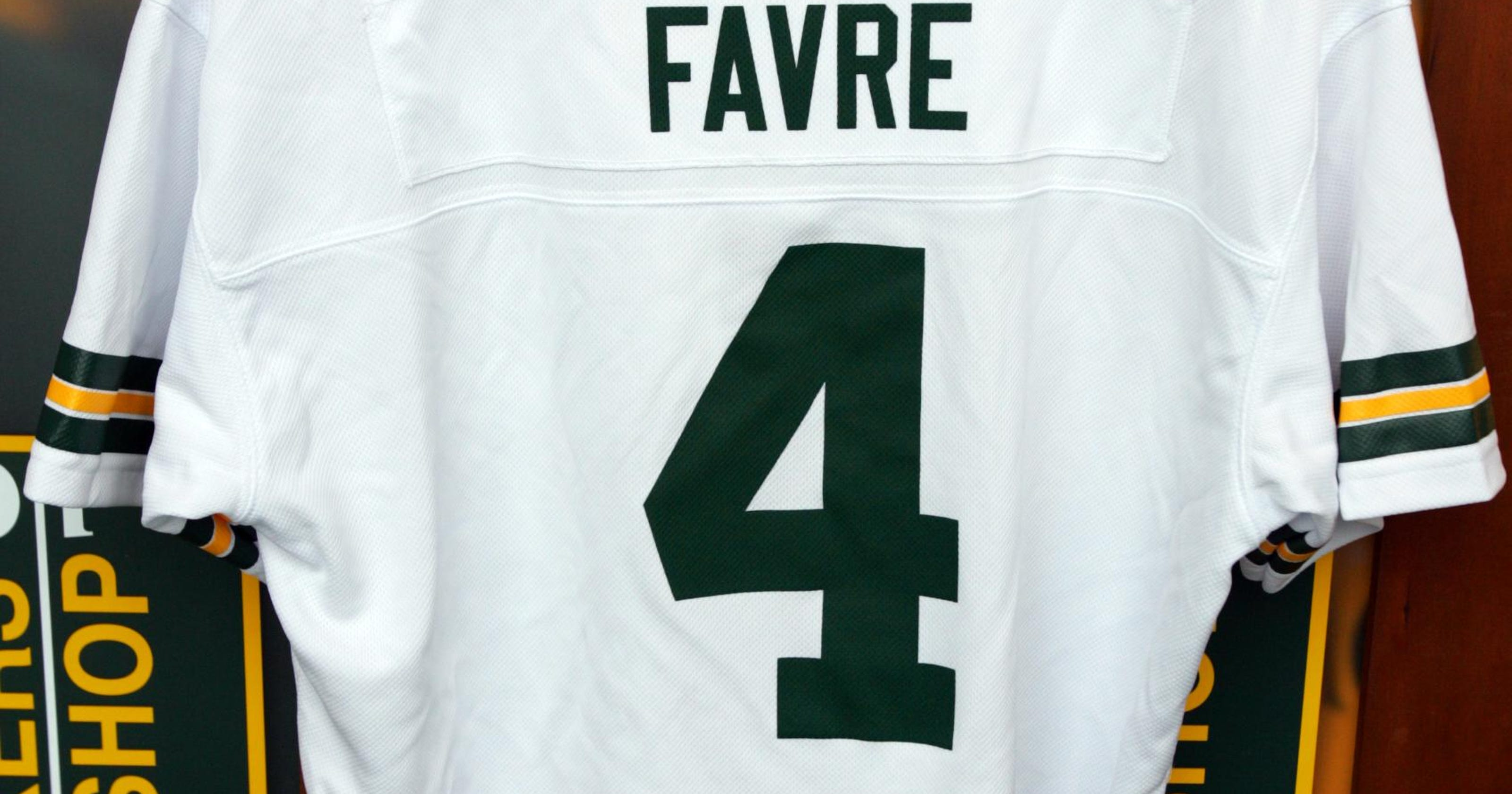 cheap for discount b09cb edd2f Packers Pro Shop back in the Brett Favre business