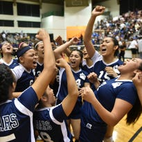Cougars take girls volleyball title from Geckos