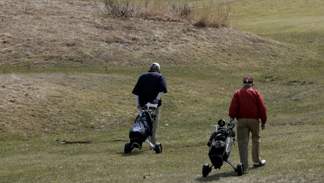 Golfers enjoy opening day at Westchester County golf courses including Mohansic Golf Course in Yorktown March 18, 2009.  (Stuart Bayer / The Journal News)