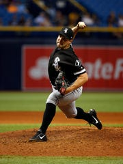 Chicago White Sox relief pitcher Tommy Kahnle (48)