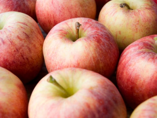 Now's your chance to ask questions about apples.