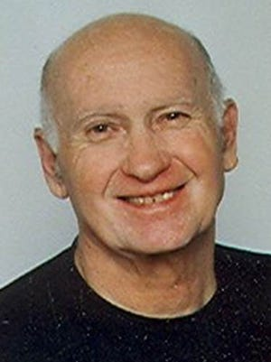 Charles (Chuck) Edward Davis, 82, of Fort Collins, left his earthly home and entered his eternal home March 25, 2015.