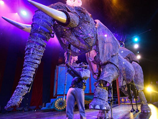 how to make an elephant disappear on stage