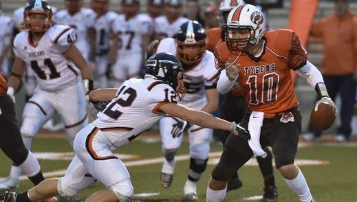The Mansfield Senior Tygers defeated the Ashland Arrows 45-42 in their last encounter at Arlin Field in 2016.