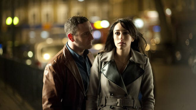 Will Mellor and Oona Chaplin learn more about each other out on the premiere of 'Dates' on CW.