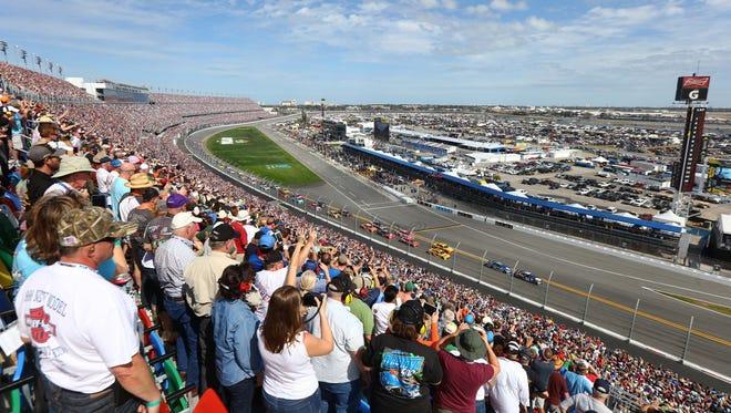 Drivers make their way around Daytona International Speedway during the 2016 Daytona 500.