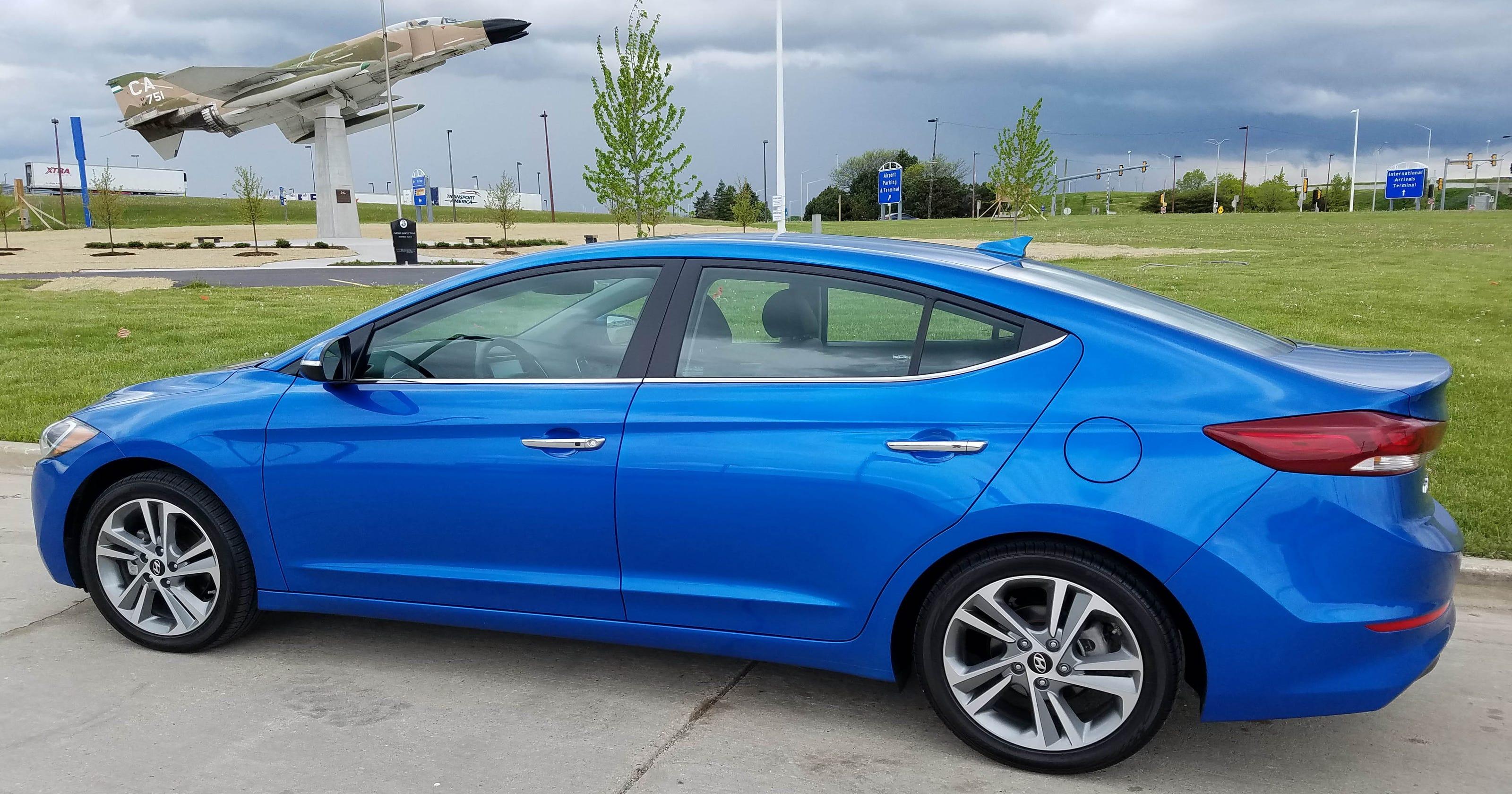 Savage on Wheels: 2017 Hyundai Elantra Limited milder, but