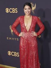 La actriz estadounidense Gina Rodriguez posa durante