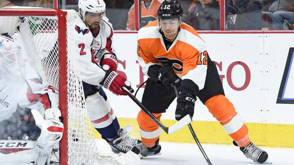 Michael Raffl and the Flyers are hoping to upset the Presidents' Trophy winners.