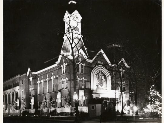 Courthouse decorated for the holidays, Downtown Salisbury, circa 1965.