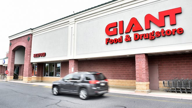 Giant at Norland Avenue, Chambersburg, posted a public notice announcing their Pennsylvania Liquor Control Board application to sell alcoholic beverages at the store.