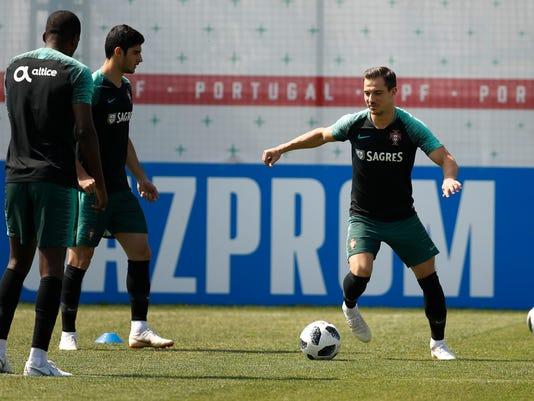 Russia_Soccer_WCup_Portugal_80200.jpg