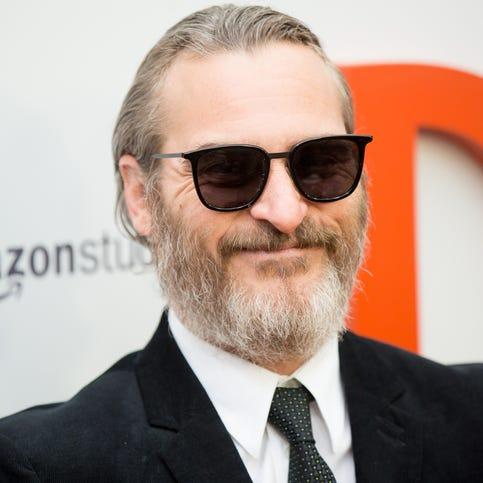 'Joker' fully revealed at last: Joaquin Phoenix transforms into the hideous arch-villain