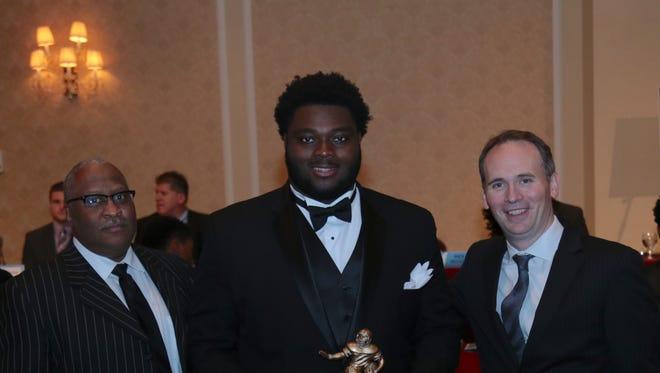 Detroit Cass Tech's Michael Onwenu is a four-star guard.