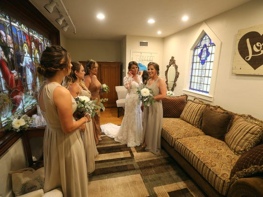 Chapel Hill offers a bridal room where the bridal party