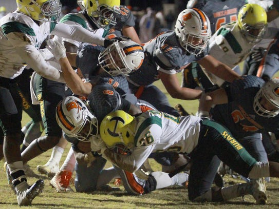 Beech's Kaemon Dunlap finds the endzone to start the