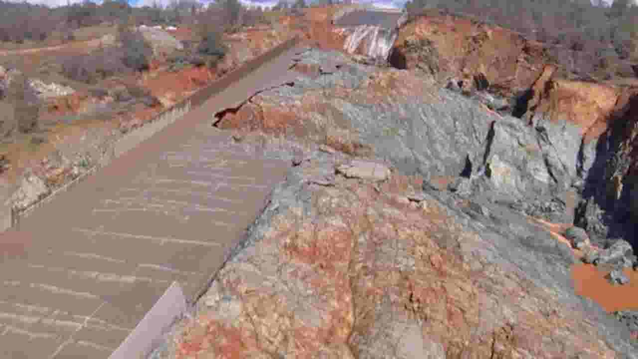 Amazing aerial footage of the damaged spillway at the Oroville Dam