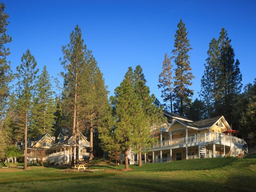 This Yosemite B&B, 12 miles from Yosemite National