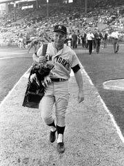 New York Yankees legend Mickey Mantle hauls the set