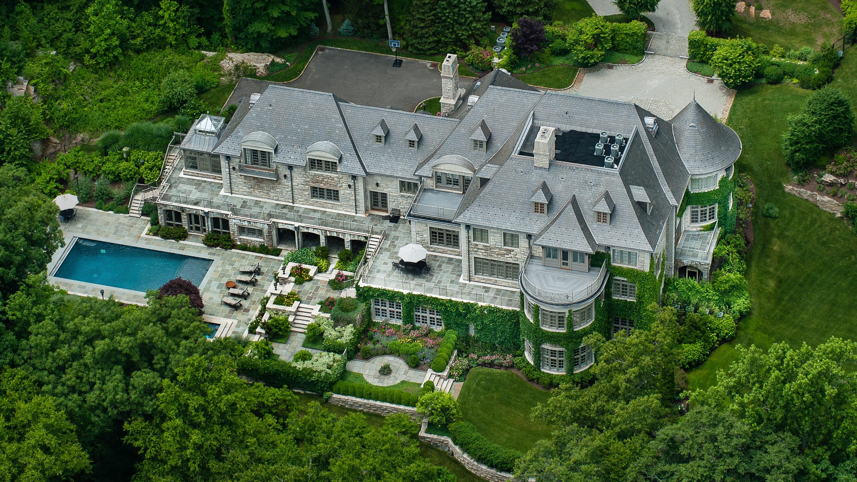Bedrooms And More Seattle Allan Houston S Armonk House For Sale