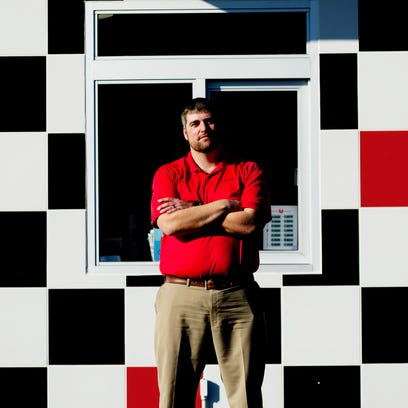 Checkers burger restaurant comes to East Tennessee