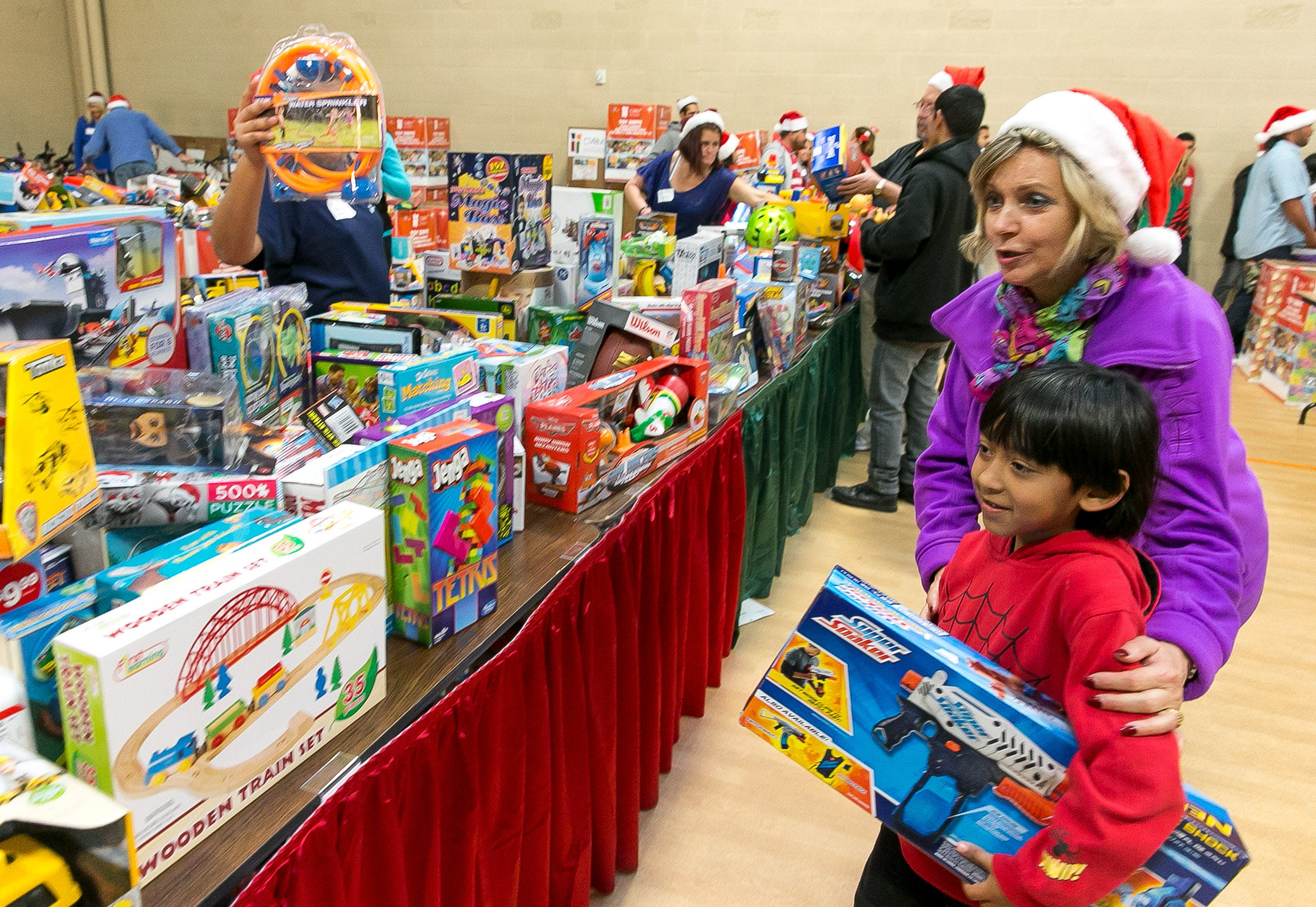 Springs rescue mission christmas giveaway