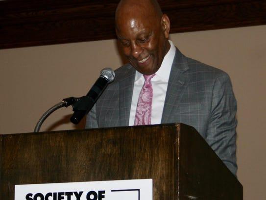 Walter Middlebrook accepts a lifetime achievement award