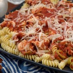 8/10/2006, 6B: FD-FASTLANE -- Pasta twists with fresh chicken and tomatoes is a spin on a traditional spaghetti meal. (Gannett News Service, Pam Spaulding/The (Louisville, Ky.) Courier-Journal)