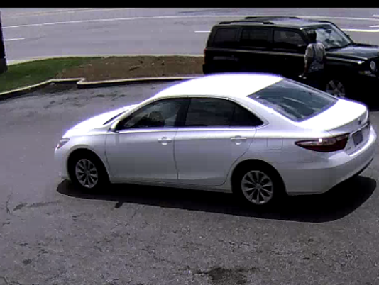 636384997615617412-Suspect-vehicle-bank2.png