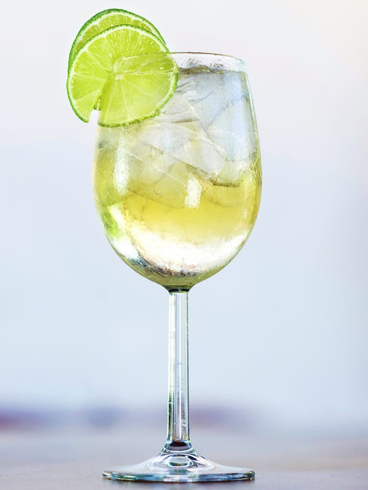 martini bianco vermouth spritzer with lime