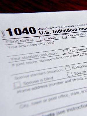 The government says the average tax refund and the total amount of refunds issued thus far have declined for the second straight week.