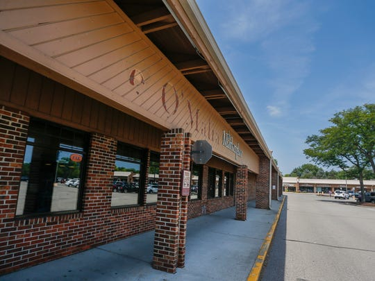 A scene of O'Malia's grocery store located at 4775