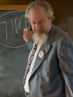 Daniel Stern in a scene from the WGN series 'Manhattan.'