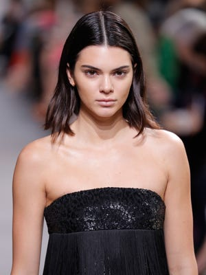 NEW YORK, NY - FEBRUARY 15:  Model Kendall Jenner walks the runway during the Michael Kors Collection Fall 2017 fashion show at Spring Studios on February 15, 2017 in New York City.  (Photo by JP Yim/Getty Images for Michael Kors) ORG XMIT: 1000002476 ORIG FILE ID: 635447300