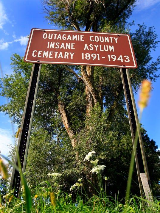 APC Outagamie Asylum Cemetery 0149 090514wag.jpg