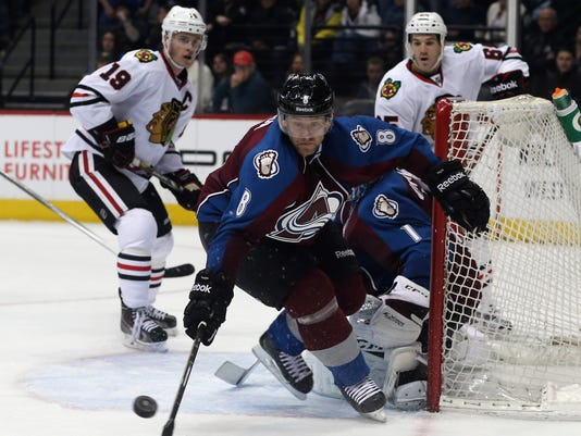 114d44f59c6 Varlamov helps Avs to 3-2 win over Blackhawks