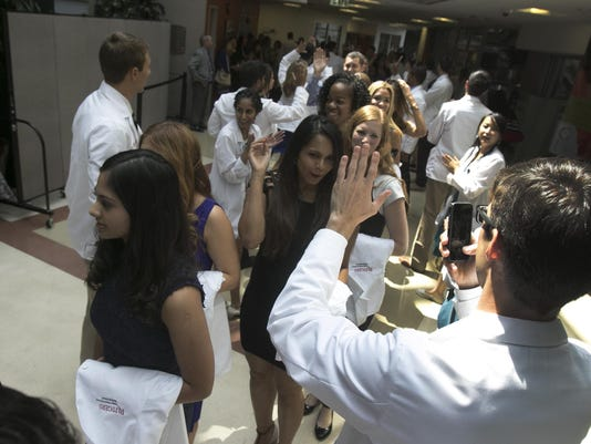 BRIEST0808WhiteCoat8