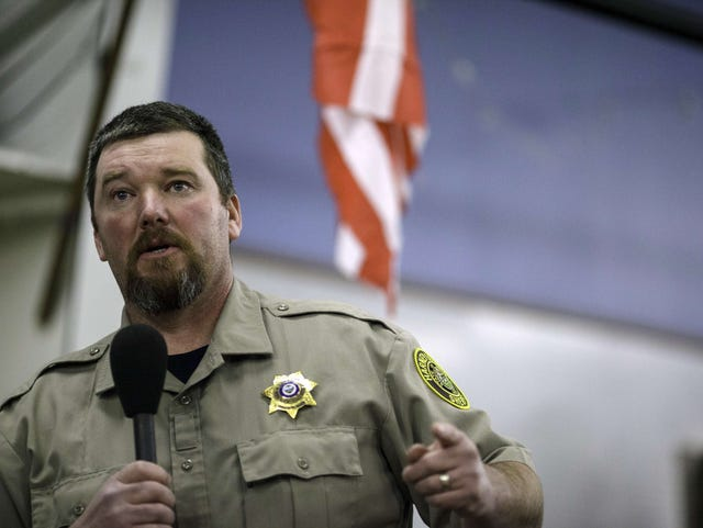 Sheriff in Oregon standoff no stranger to battle — and