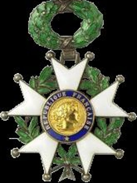 635572371162744271-Chevalier-legion-d-honneur
