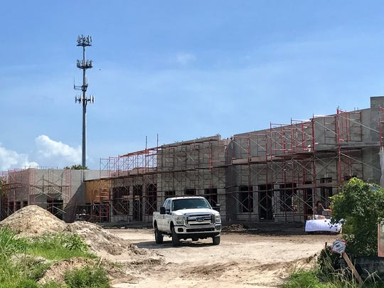Hobe Sound Station will feature restaurants and stores including Hobe Sound Beverage.
