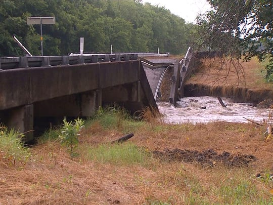 The FM 118 bridge over the South Sulphur River collapsed