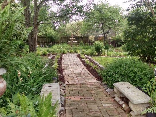 GardenTour1.jpg