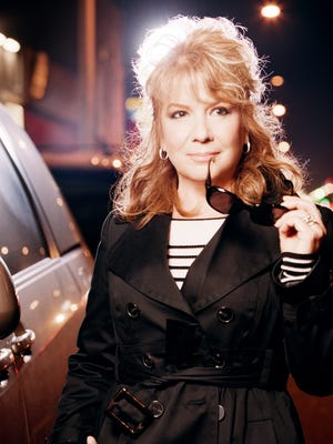 In 2008, Vikki Carr was honored with a Lifetime Achievement Award at the Latin Grammys.