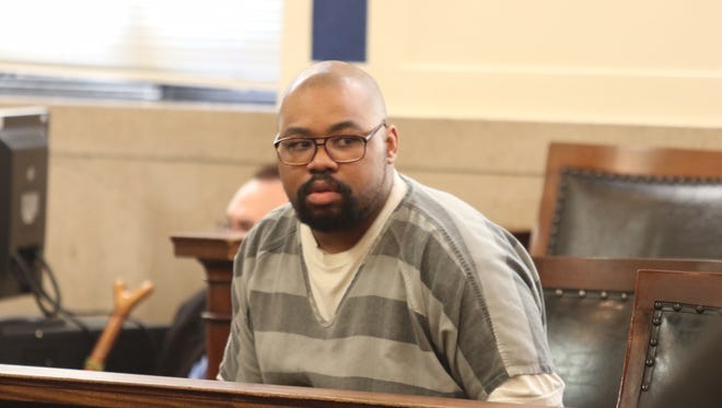 Glen Bates waits for his death penalty hearing to begin Monday in Hamilton County Common Pleas Court. He was sentenced to death in the killing of his 2-year-old daughter, Glenara.