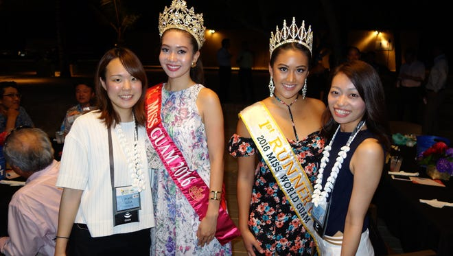 Japanese travel agents pose with 2016 Miss Asia Pacific International Guam Audre Laguaña Dela Cruz and 2016 Miss World Guam first runner-up Aiyana Baker Shedd at the annual Håfa Adai Study Tour event held at Dusit Thani Guam.