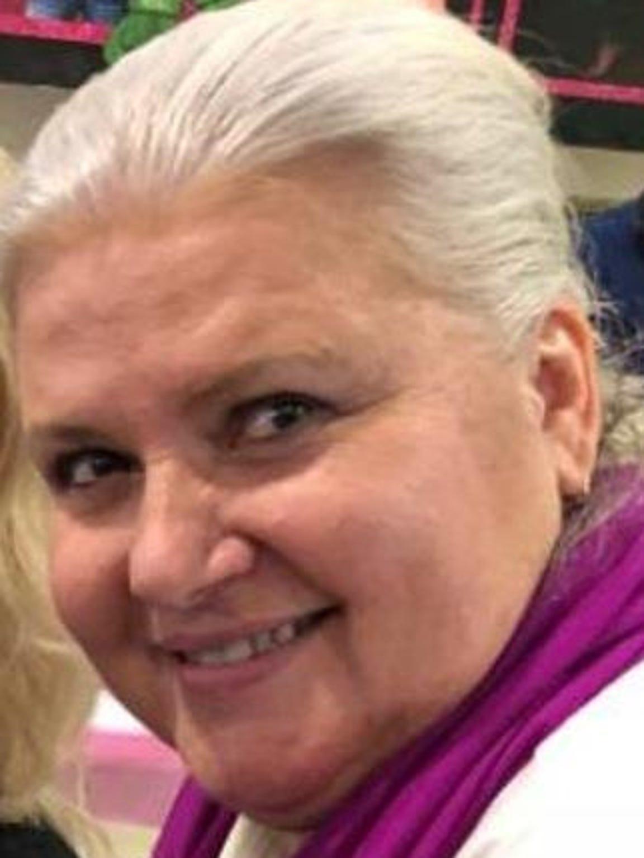 Lois Riess