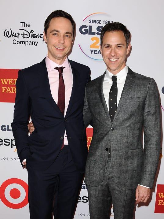 Sheldon begynder dating amy cote divoire dating svindel