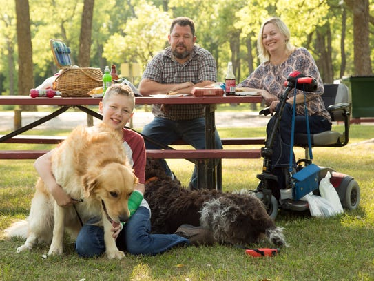 Jill Viles has a picnic with her husband Jeremy and